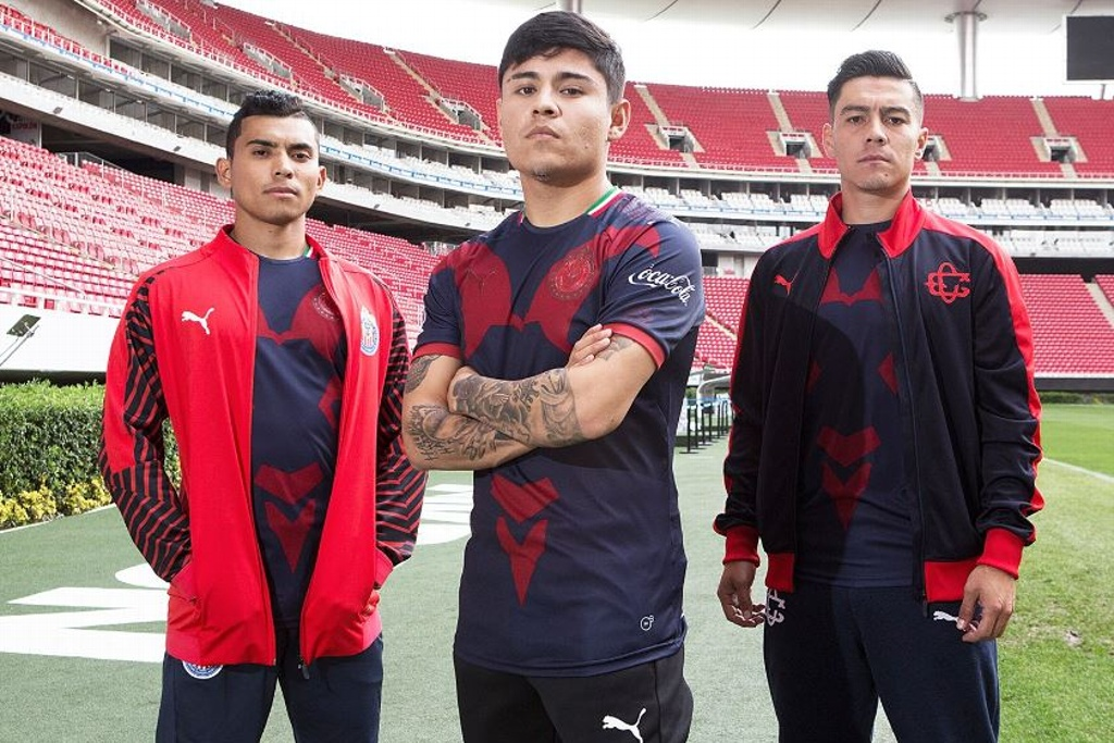 Presenta Chivas su uniforme alternativo