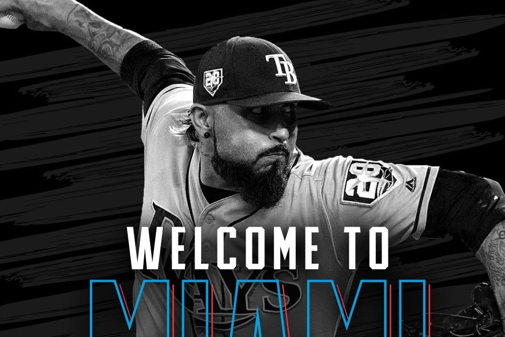 Sergio Romo firma con los Marlins (VIDEO)